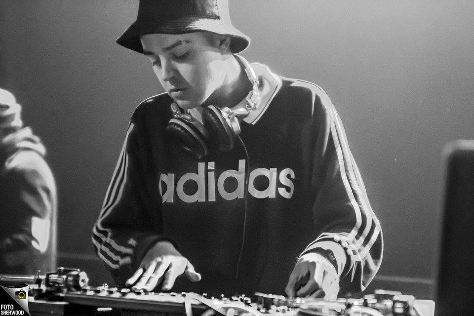 DJ P-Kut live scratch
