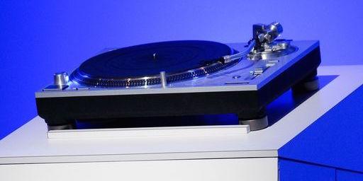 Il Technics SL-1200 torna con due nuovi modelli
