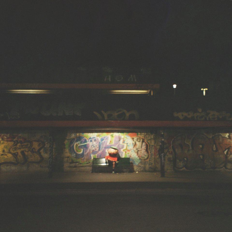 """Frah aggiunge """"Nei treni la notte"""" al suo """"Lungolinea."""""""