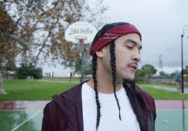 Dezzy Hollow: il talento di Oceanside nella nuova puntata di Diggin' In The Web International