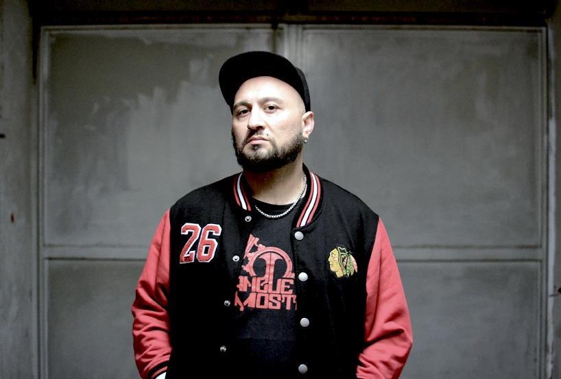 DJ Uncino a mezzo busto