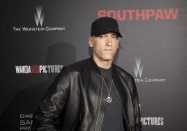 Walk On Water è il primo singolo di Eminem estratto da Revival