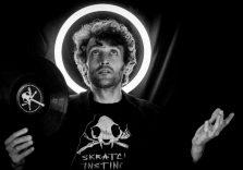 Il silenzioso discorso di uno spartito: DJ Myke