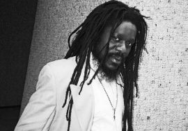 Visions of Dennis Brown è il protagonista di Reggae Vibes