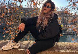 È Superstar il nuovo brano con video di Clara Marv