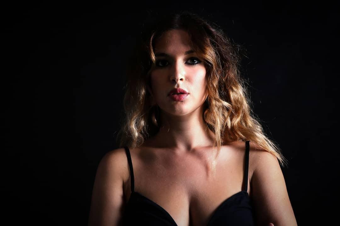 Cecilia Stallone canta Fiabe urbane nel suo nuovo EP