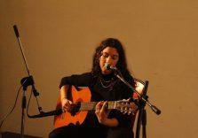 Rea vive la musica solo e soltanto come una ricerca