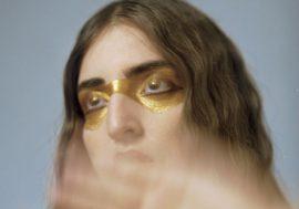 Operazione oro è il primo EP in italiano di Joan Thiele