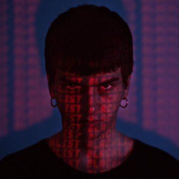 Sethu è fuori con il video 3D di Blacklist