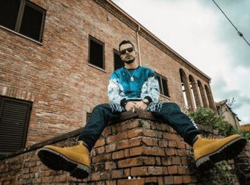 Ako pubblica il suo singolo Tommy Vercetti