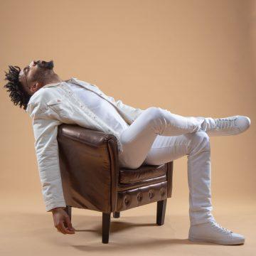 Mudimbi pubblica il singolo Ballo