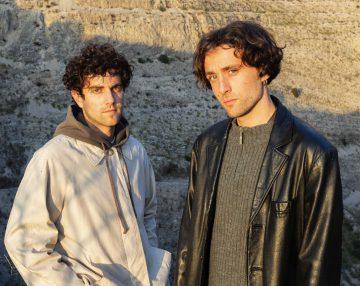 Ecco, Codici primo singolo del duo Gbresci