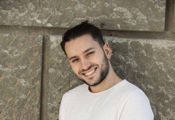 """Alessandro Proietti, da Suburra alla musica con un album sincero che sa di """"casa"""": """"Persiane del '40"""""""
